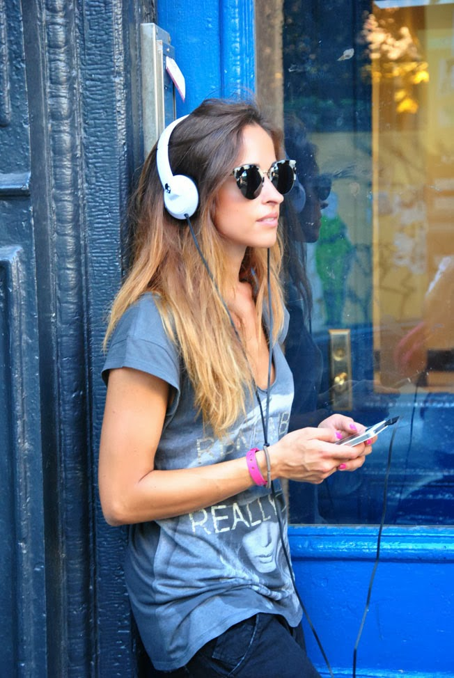 outfit-look-cuffie-musica-iphone