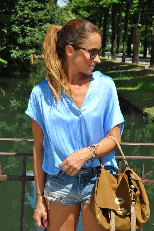camicia-colore-azzurro-tendenza-azzurro