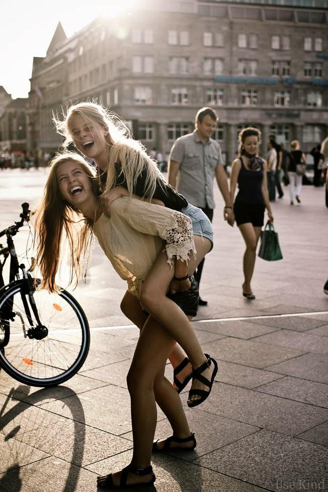 happy-girls-