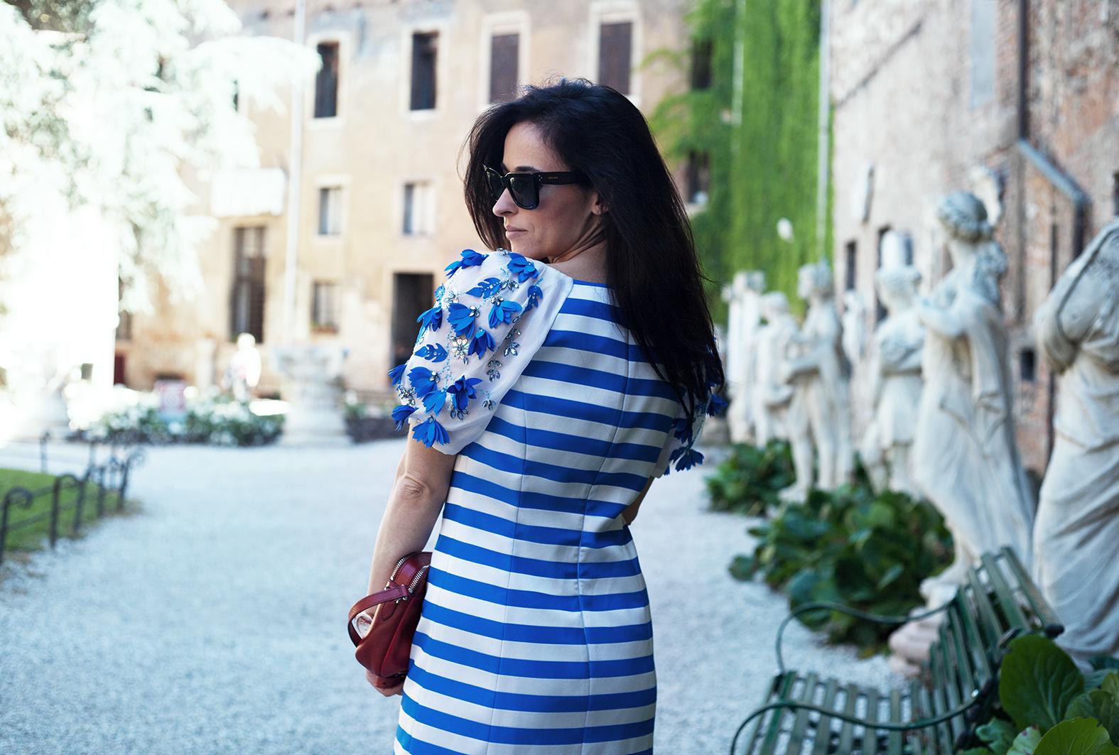 alessia-canella-blogger-vestito-righe-maria-grazia-severi
