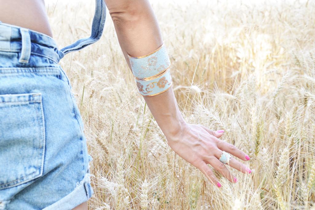 alessia-canella-calvin-klein-parrots-stroili-oro-bracciali-anelli-berretto-NY-fashion-1024x683