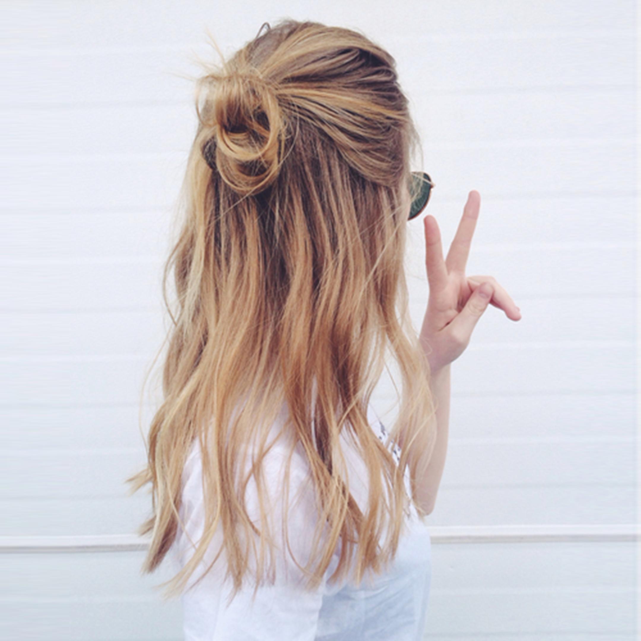 alessia-canella-halfbun-capelli