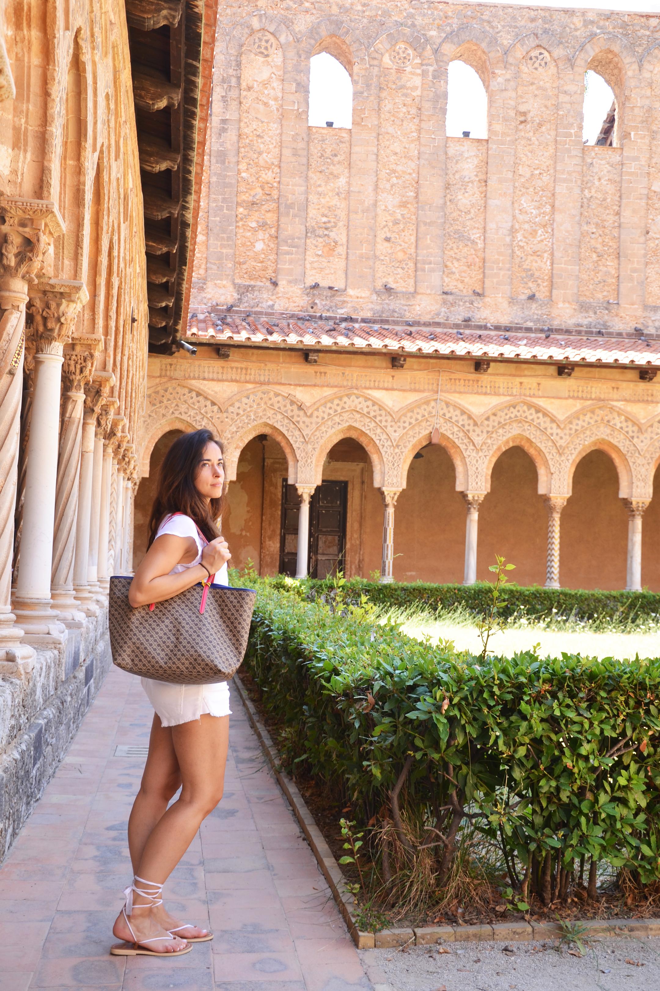 alessia-canella-sicilia-monreale-style-shouts-travel-blog-chiesa