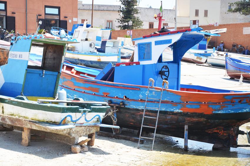 porto-favignana-barca-visit-sicilia
