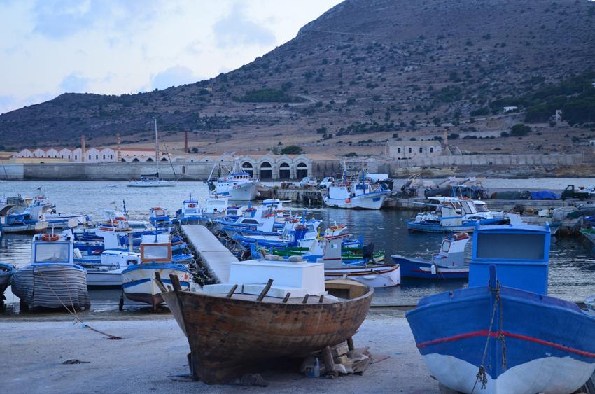 porto-favignana-barche