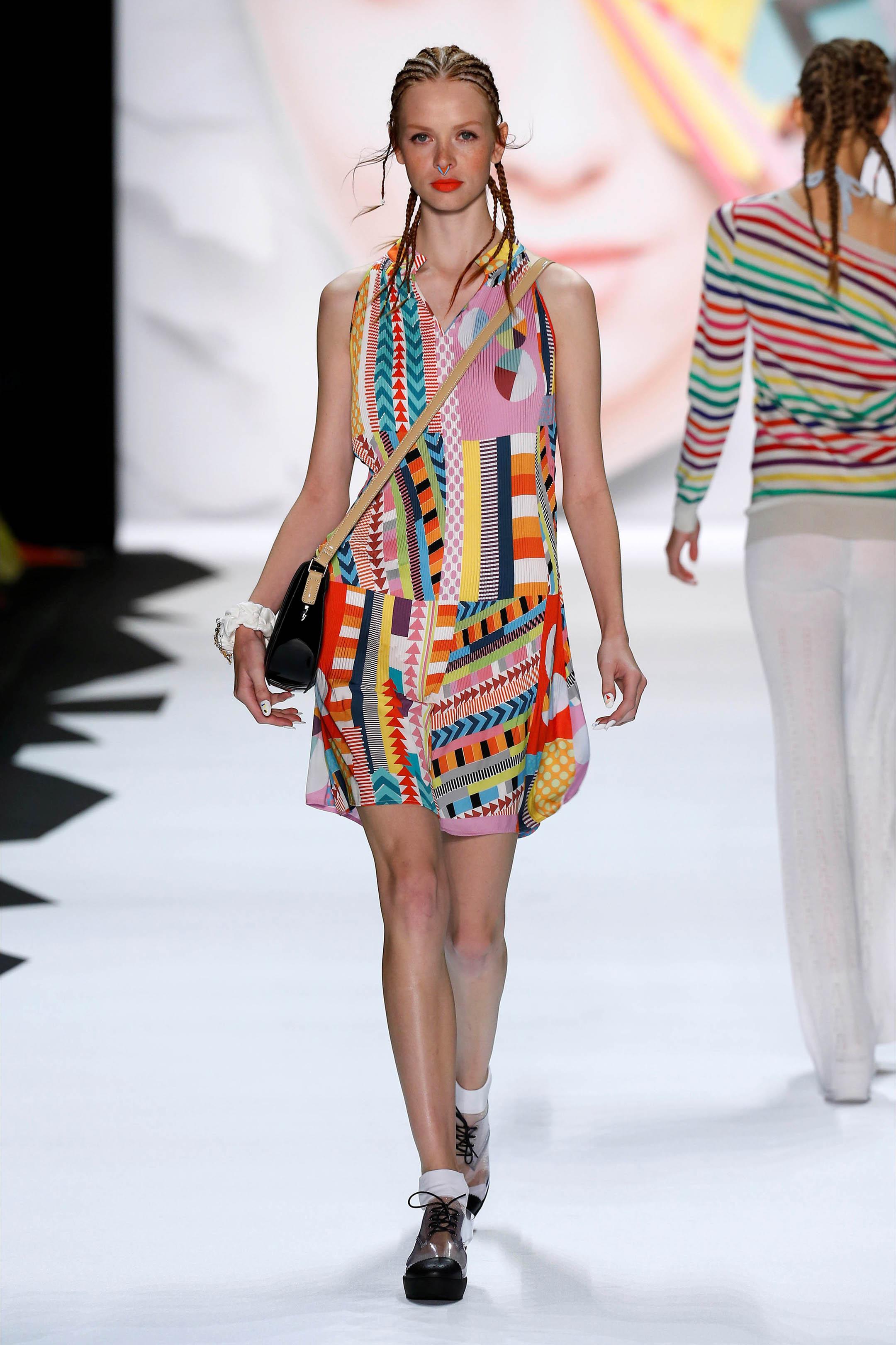 styleshouts-trend-treccine-africane-desigual-sfilata-new-york-fashion-week-moda