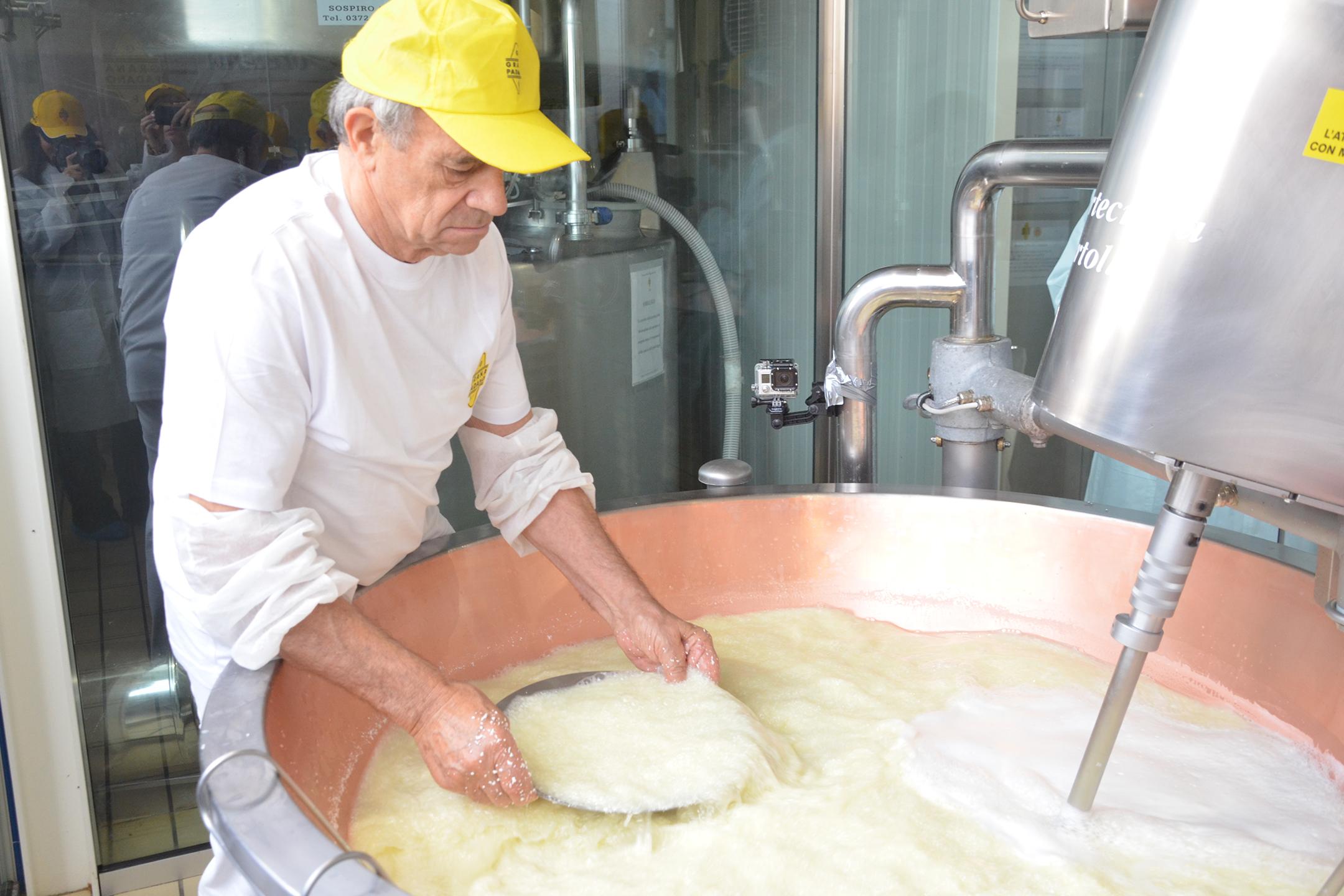 alessia-canella-styleshouts-expo-grana-padano-forme-lavorazione-dop-conservazione-cheese