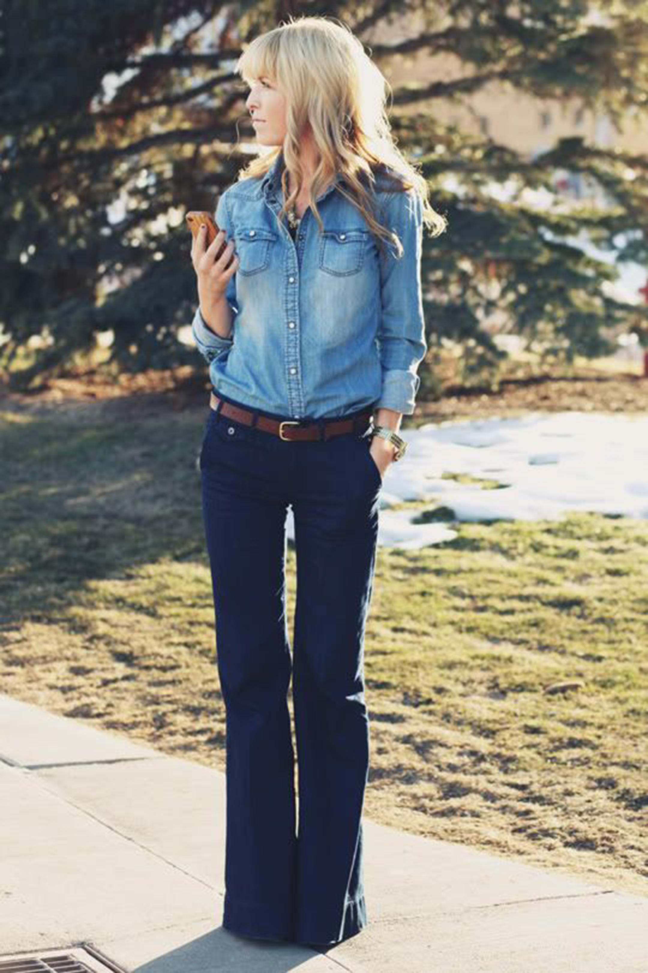 pantaloni-zampa-styleshouts-jeans-abbinare-camicia-denim
