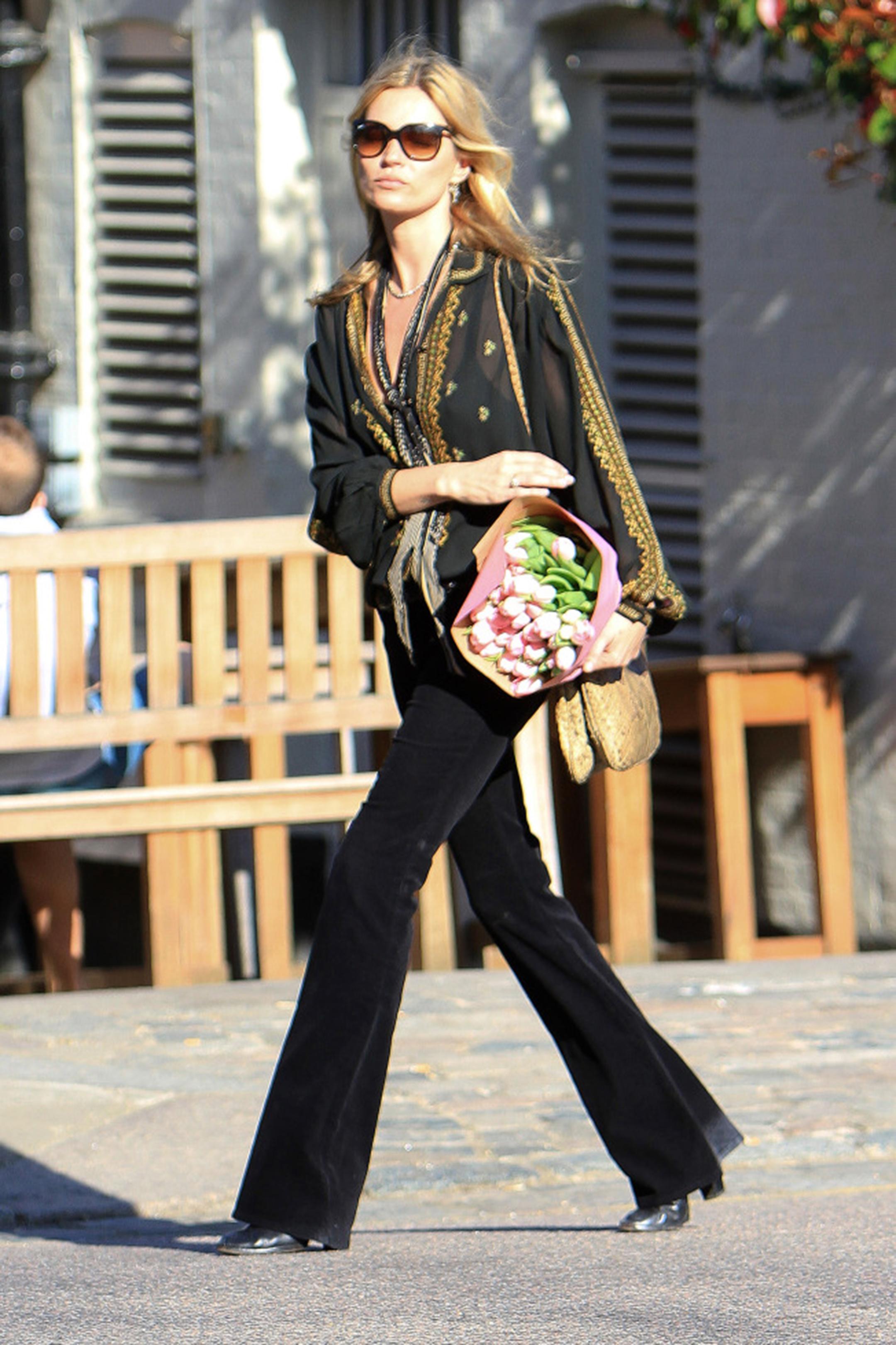 pantaloni-zampa-styleshouts-jeans-kate-moss
