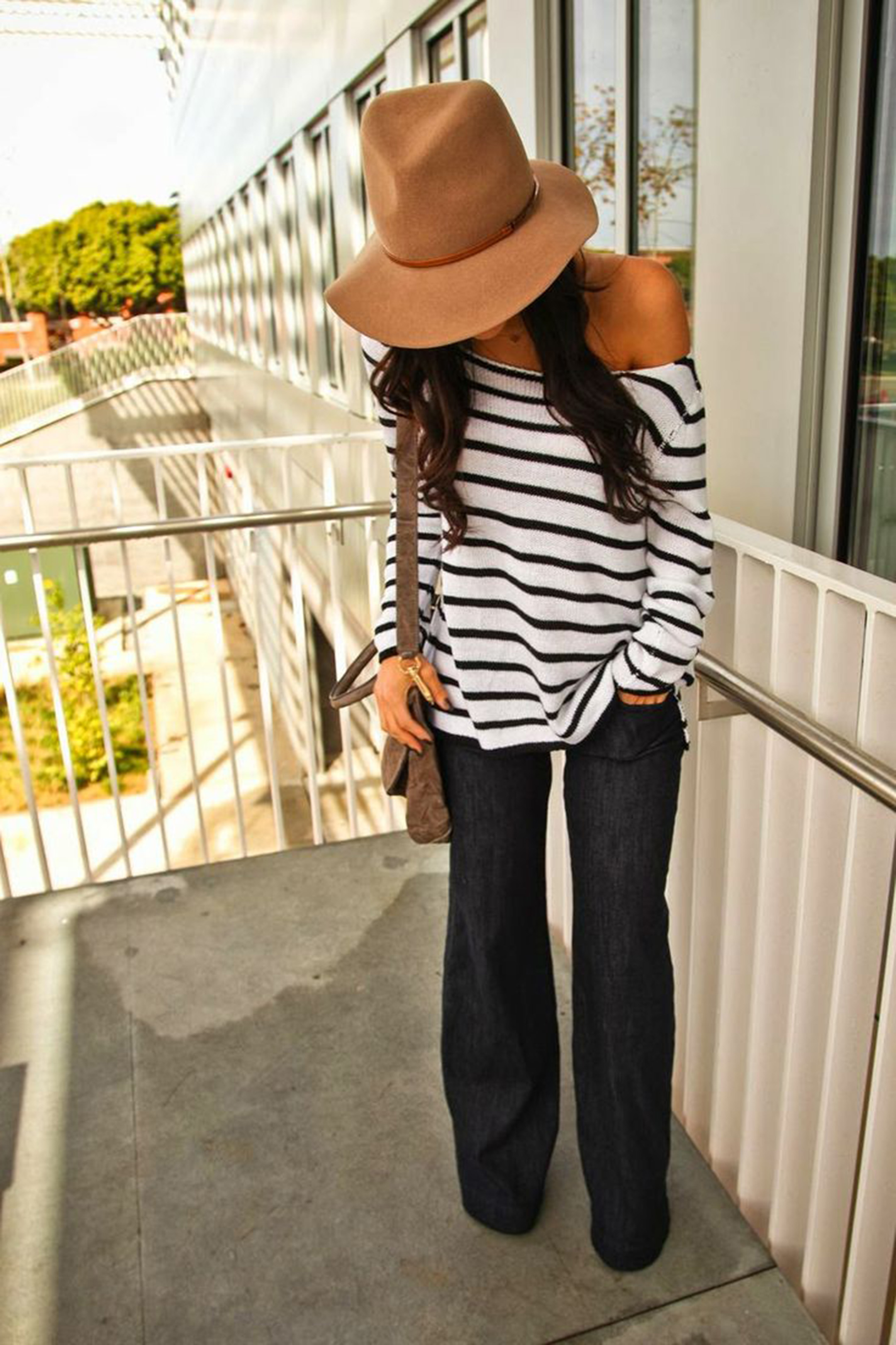 styleshouts-oversized-sweater-and-flared-jeans