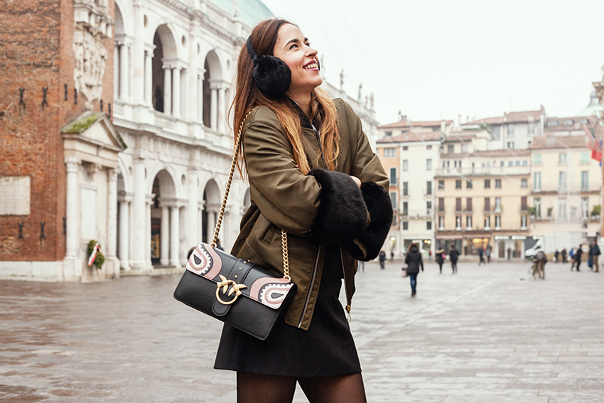 alessia_canella_calze_nere_outfit