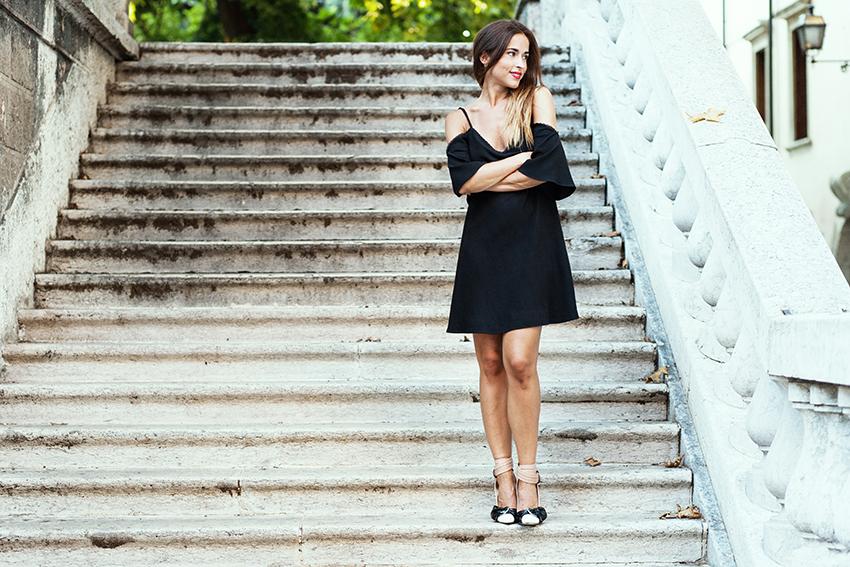 styleshouts_alessia_canella_abito_nero_jessica_buurman_scarpe