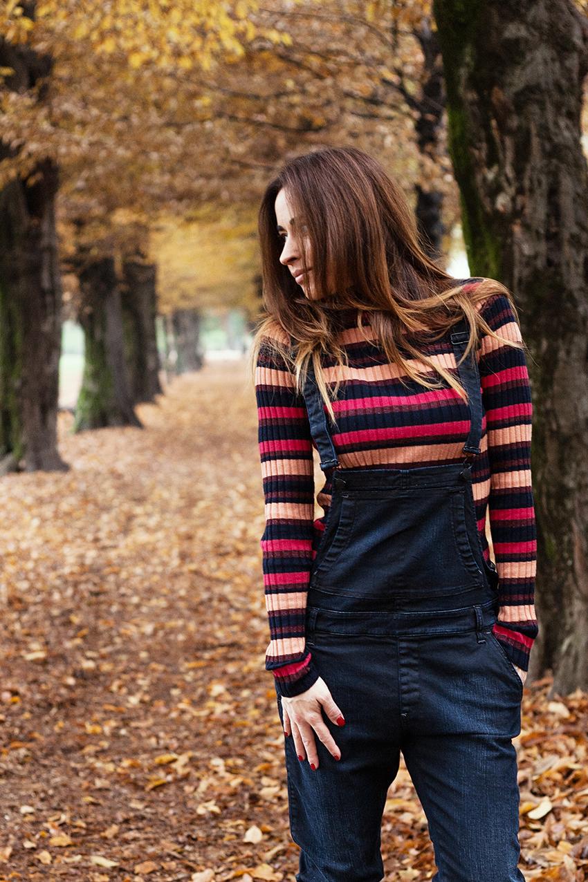 trend_autunno_salopette_maglia_righe