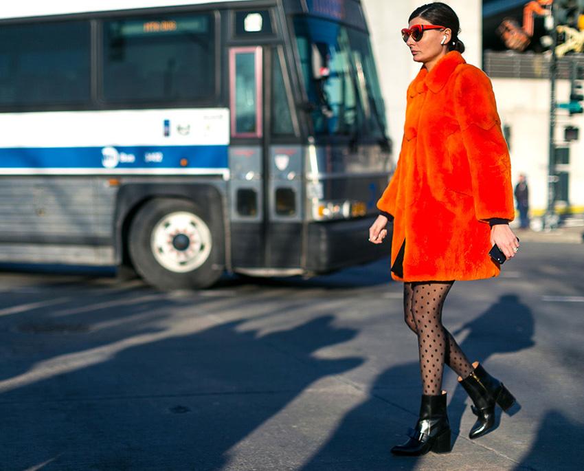 street-style-nyfw-fw2017-pelliccia-arancione