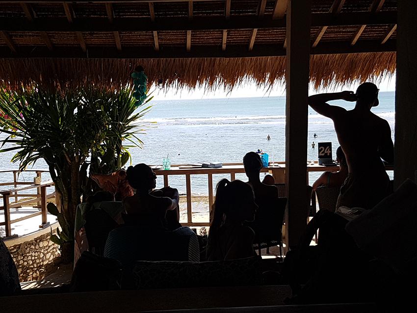 dove_fare_surf_bali_spieggia_per_principianti