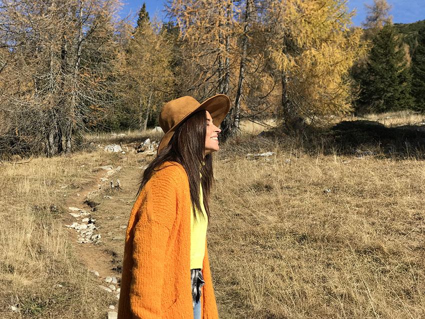 come_abbinare_maglione_arancione_consigli_moda