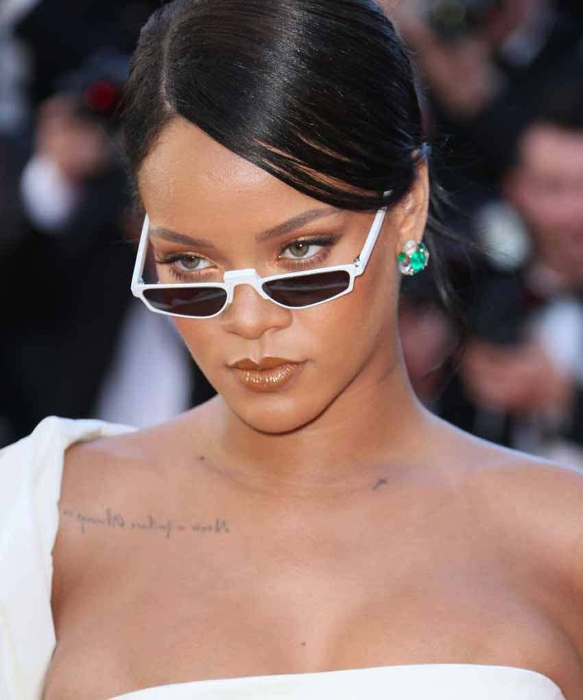 rihanna-matrix-sunglasses