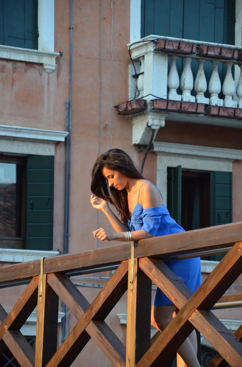 blue-dress-venice-model
