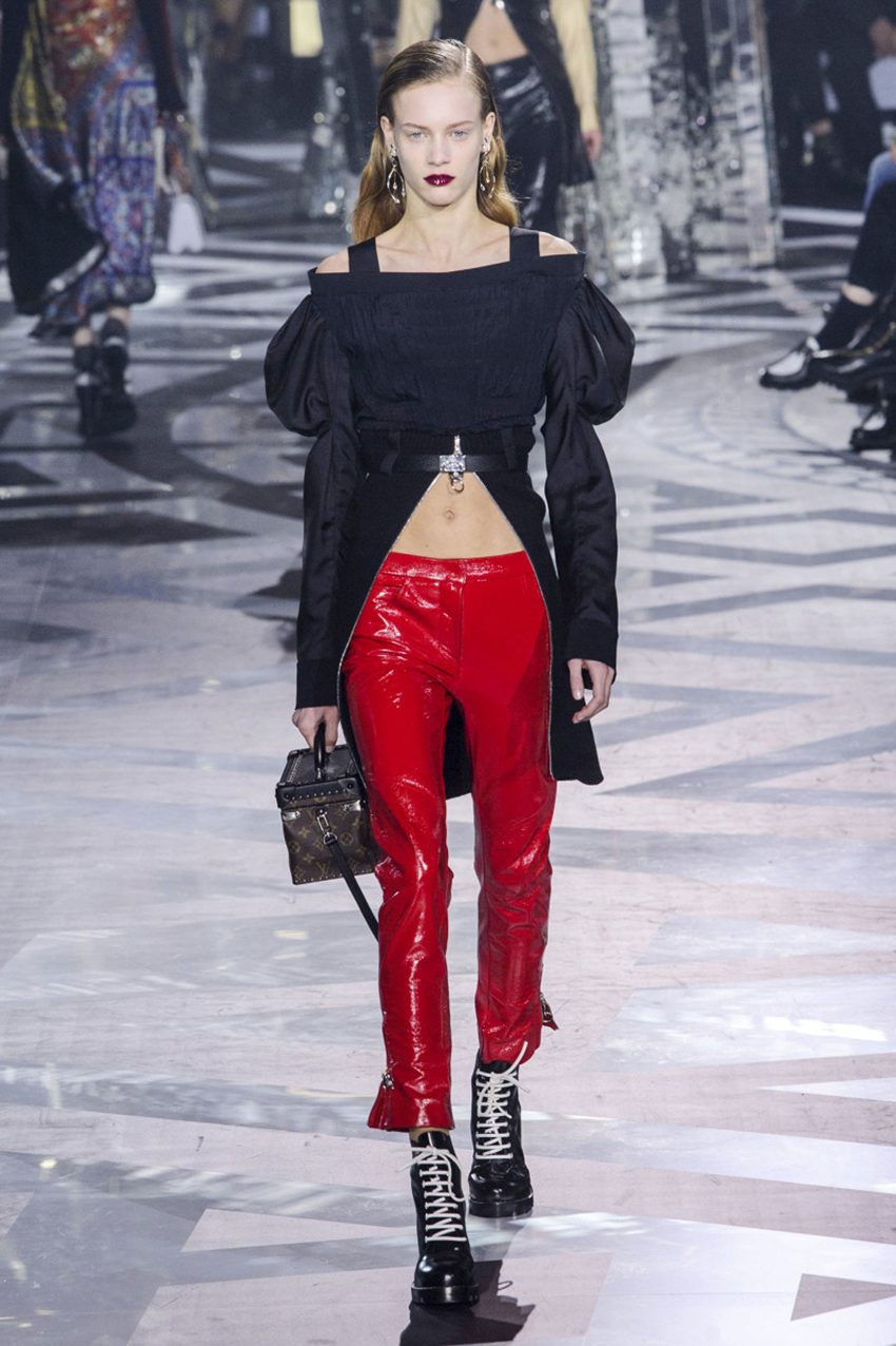 red-vinyl-jeans-catwalk